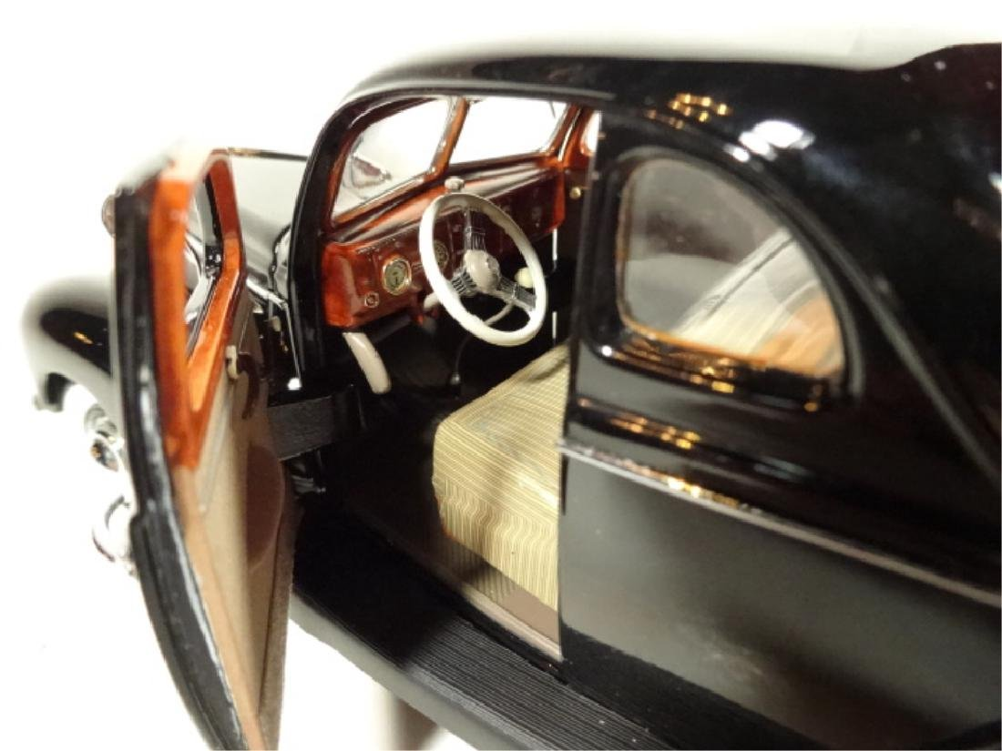 1939 FORD DELUXE COUPE, MINT CONDITION, LIMITED EDITION - 6
