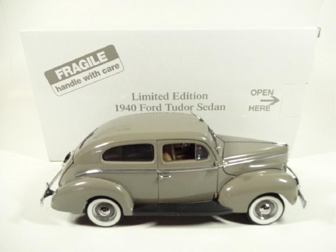 1940 FORD TUDOR DELUXE SEDAN, MINT CONDITION, DIECAST - 8