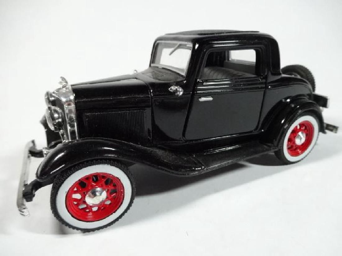 1932 FORD COUPE, 1:40 DIECAST METAL MODEL, SOLD AS