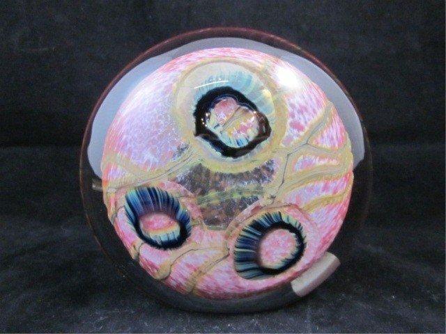 """19: ROBERT EICKHOLT ART GLASS PAPERWEIGHT, APPROX. 4"""" D"""