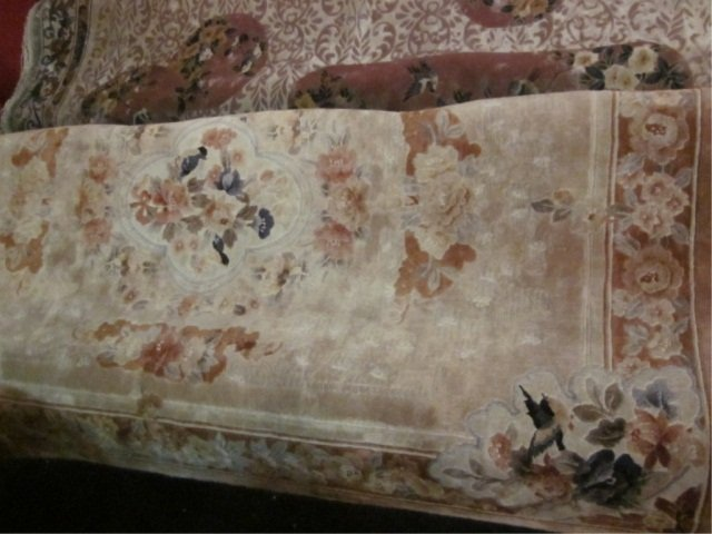 89: CHINESE SILK RUG - CREAM BACKGROUND WITH DELICATE F