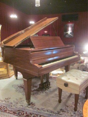 91: VINTAGE 1920's KIMBALL WALNUT BABY GRAND PIANO, 5'3