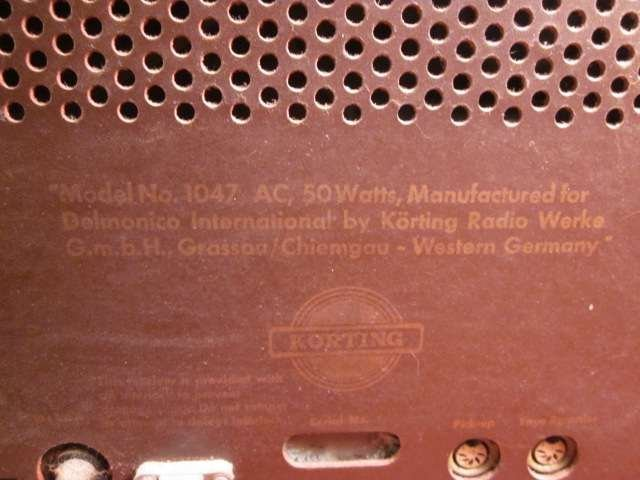 12: MIDCENTURY NOVUM GERMAN TUBE RADIO, CIRCA 1955, NOV - 5