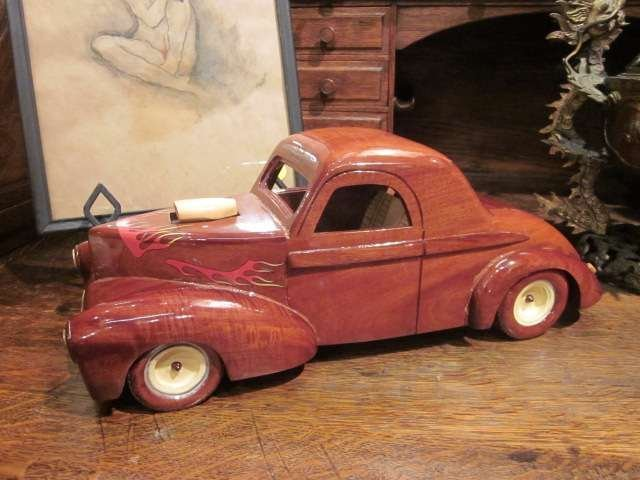"18: HANDMADE WOODEN HOTROD MODEL, APPROX 15"" LONG"