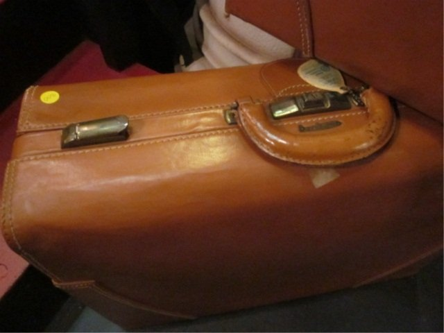 4: 2 VINTAGE LEATHER SUITCASES, BY H&M ST. LOUIS MISSOU - 4