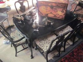 6: BLACK FINISH DINING TABLE WITH 6 CHAIRS IN CLOCK MOT