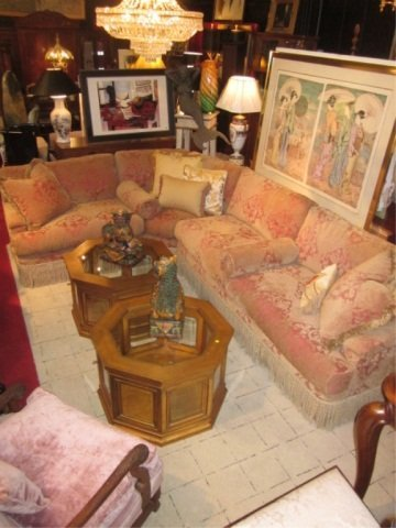110: OPULENT CUSTOM 3 PC SECTIONAL SOFA WITH IMMACULATE