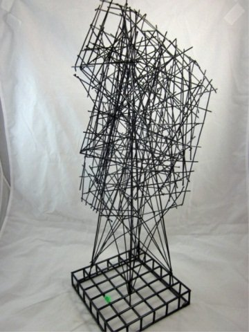 """167: ABSTRACT WIRE SCULPTURE OF A FACE, APPROX 22"""" HIGH"""