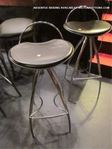 21: PAIR OF BLACK LEATHER AND CHROME BARSTOOLS, EXCELLE