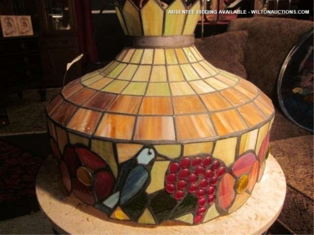 6: STAINED GLASS STYLE CEILING LIGHT, BIRDS, GRAPES AND