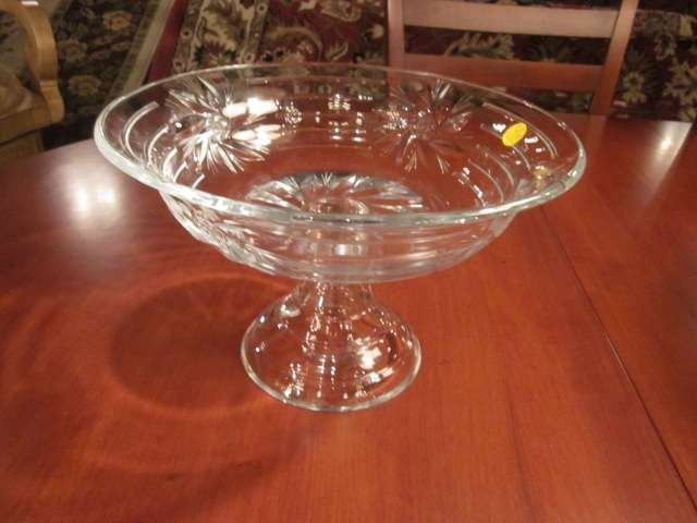 """1A: ROUND CRYSTAL BOWL ON PEDESTAL BASE, APPROX 7 1/2"""""""