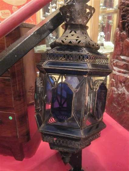 3A: ORNATE LANTERN STYLE HANGING LAMP WITH PIERCED META