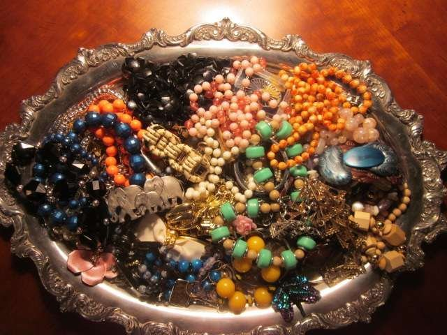 10A: LARGE SELECTION OF COSTUME JEWELRY, SOLD TOGETHER,