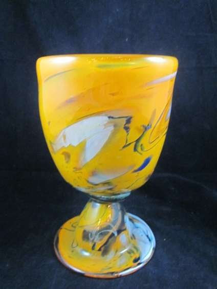 56: SIGNED MURANO ART GLASS GOLDEN GOBLET, WITH ETCHED