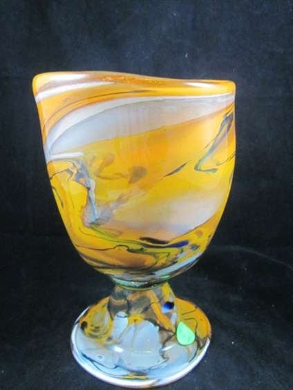 56: SIGNED MURANO ART GLASS GOLDEN GOBLET, WITH ETCHED  - 5