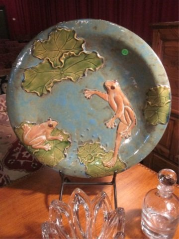 12: HANDPAINTED CERAMIC PLATTER WITH 2 FROGS, WITH META