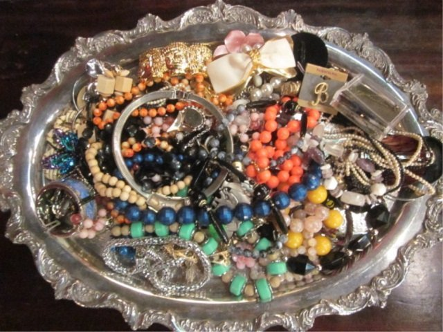 14: GROUP LOT ASSORTED COSTUME JEWELRY, TRAY NOT INCLUD