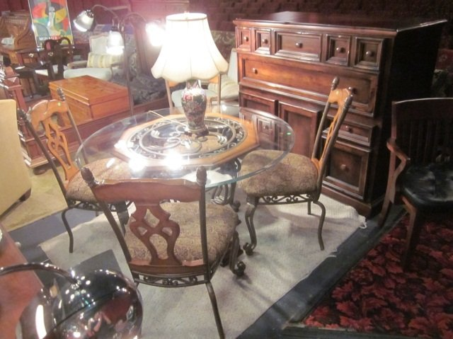 16A: ORNATE METAL AND WOOD DINING TABLE WITH 4 CHAIRS A