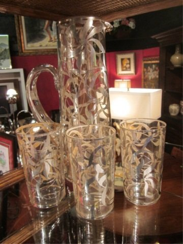 1: VINTAGE BARWARE - PITCHER & THREE GLASSES WITH APPLI
