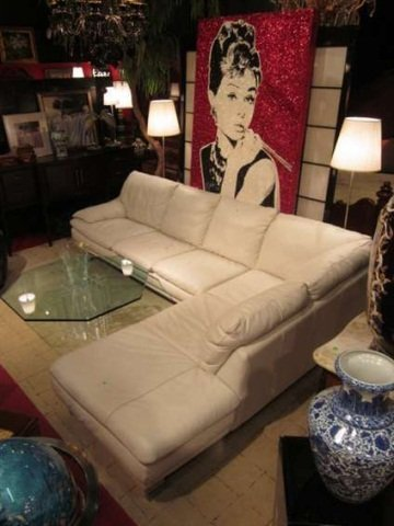 106: ITALIAN WHITE LEATHER 2 PC SECTIONAL SOFA WITH RIG