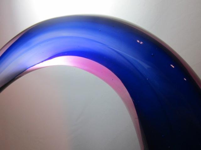 9A: MURANO STYLE ART GLASS CRESCENT SCULPTURE, APPROX 1 - 5