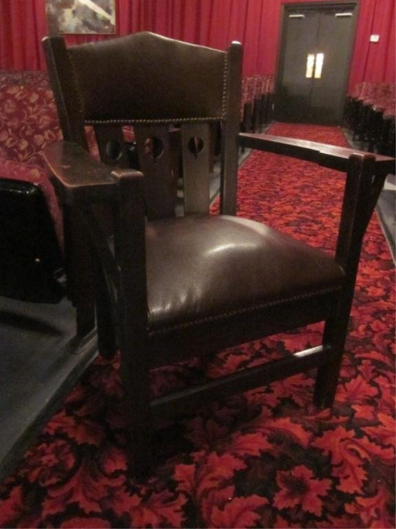 7: VINTAGE ARTS AND CRAFTS STYLE ARMCHAIR WITH LEATHER