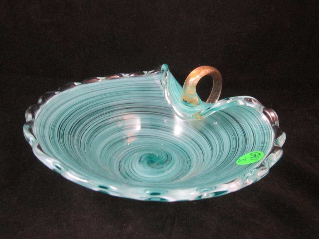 24: MURANO GREEN SWIRLED ART GLASS BOWL WITH HANDLE, 3.