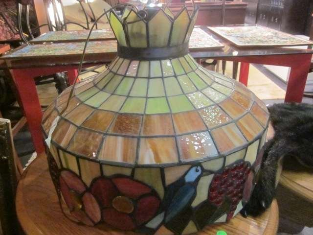 6: VINTAGE STAINED GLASS STYLE CEILING LAMP WITH FLORAL