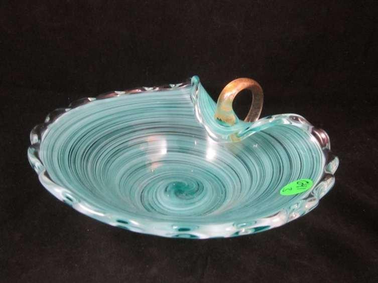 14: MURANO GREEN SWIRLED ART GLASS BOWL WITH HANDLE, 3.