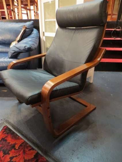 22: CONTEMPORARY LEATHER ARMCHAIR, BLACK LEATHER WITH B
