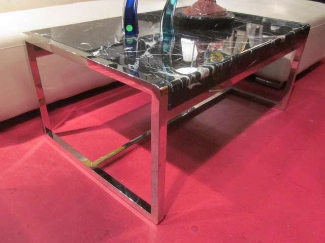 17: CONTEMPORARY CHROME COFFEE TABLE WITH BLACK AND WHI