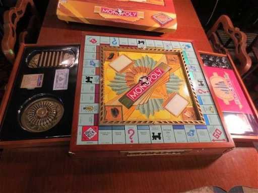 1 MONOPOLY PREMIER 70TH ANNIVERSARY EDITION NEVER USE