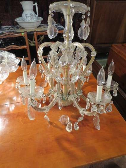 6: VINTAGE VENETIAN STYLE CHANDELIER WITH BLOWN GLASS