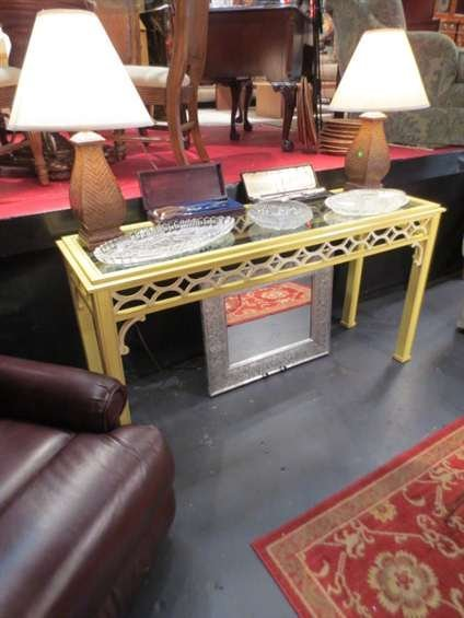 21: HOLLYWOOD REGENCY STYLE CONSOLE TABLE, GLASS TOP WI