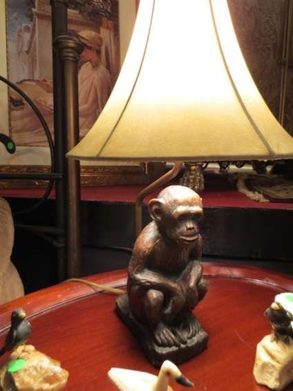 """3: MONKEY BASE TABLE LAMP, APPROX 18""""H"""