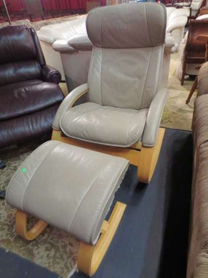 16: MADE IN NORWAY LEATHER ROCKER/RECLLINER WITH ROCKIN