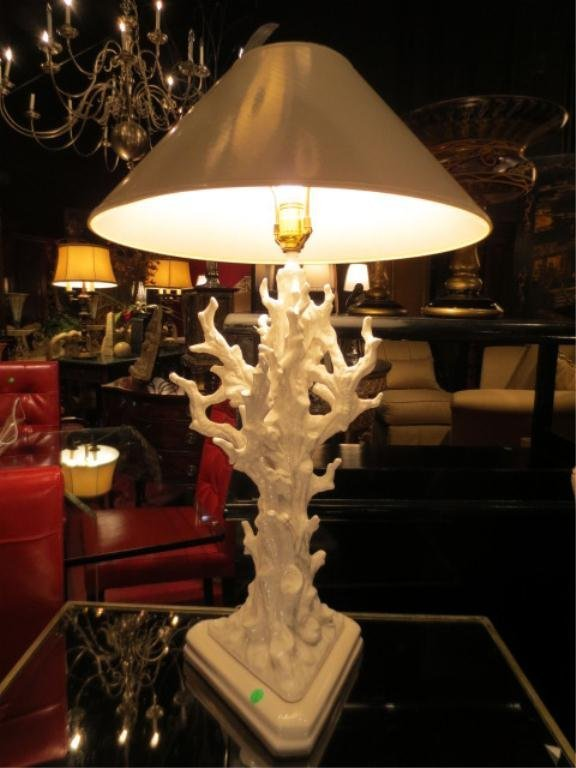 55: VINTAGE 1970's CORAL SHAPED CERAMIC TABLE LAMPS, WH