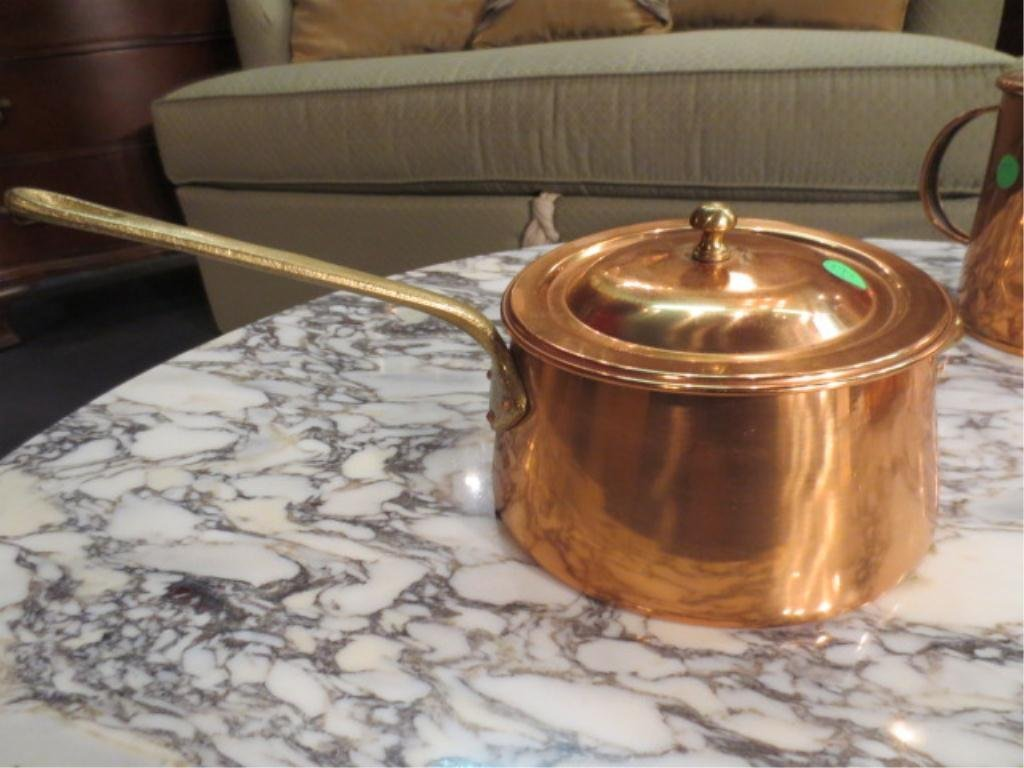16: COPPER POT WITH LID & LONG BRASS HANDLE, APPROX 5 1