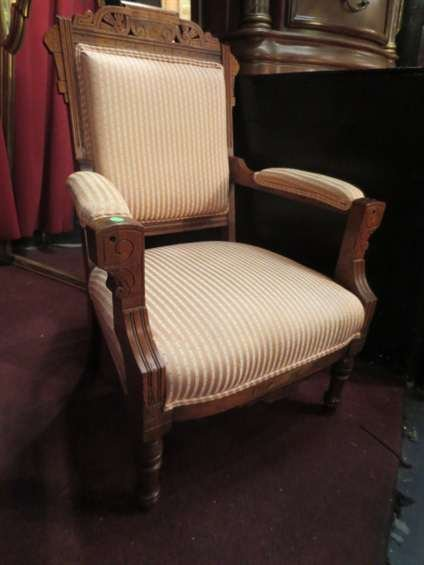 12: VINTAGE EASTLAKE ARMCHAIR, LIGHT BEIGE STRIPED UPHO