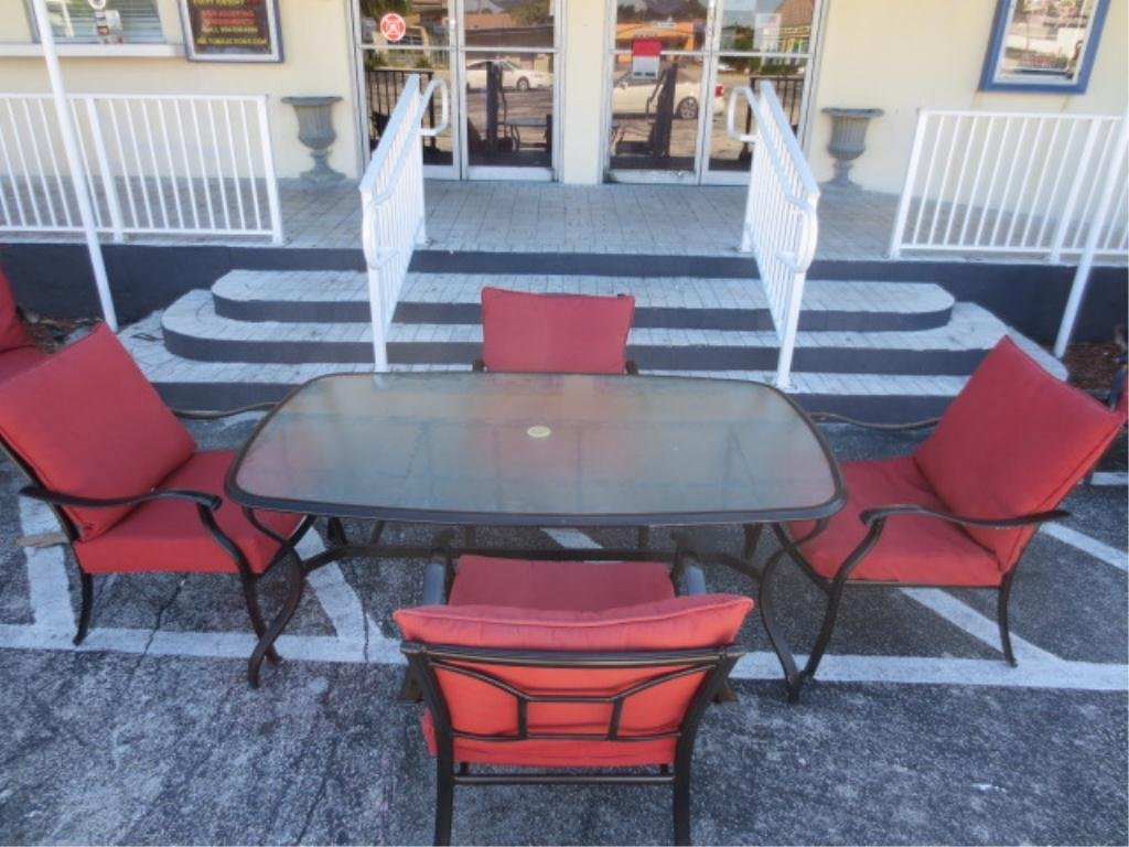5: 5 PC BLACK METAL PATIO SET INCLUDES TABLE AND 4 ARMC