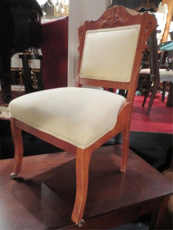 17: VINTAGE EASTLAKE CHAIR, WHITE UPHOLSTERED SEAT AND