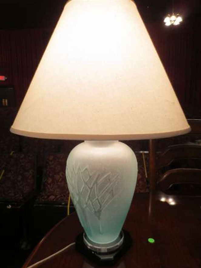 """7: ART GLASS TABLE LAMP, APPROX 22"""" H"""