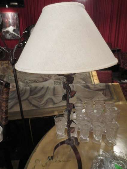 "3: METAL TABLE LAMP WITH LEAF DESIGN, APPROX 20""H"