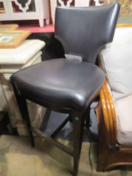 12: NEW NEVER USED DCOTA DESIGNER LEATHER BARSTOOL, SHI