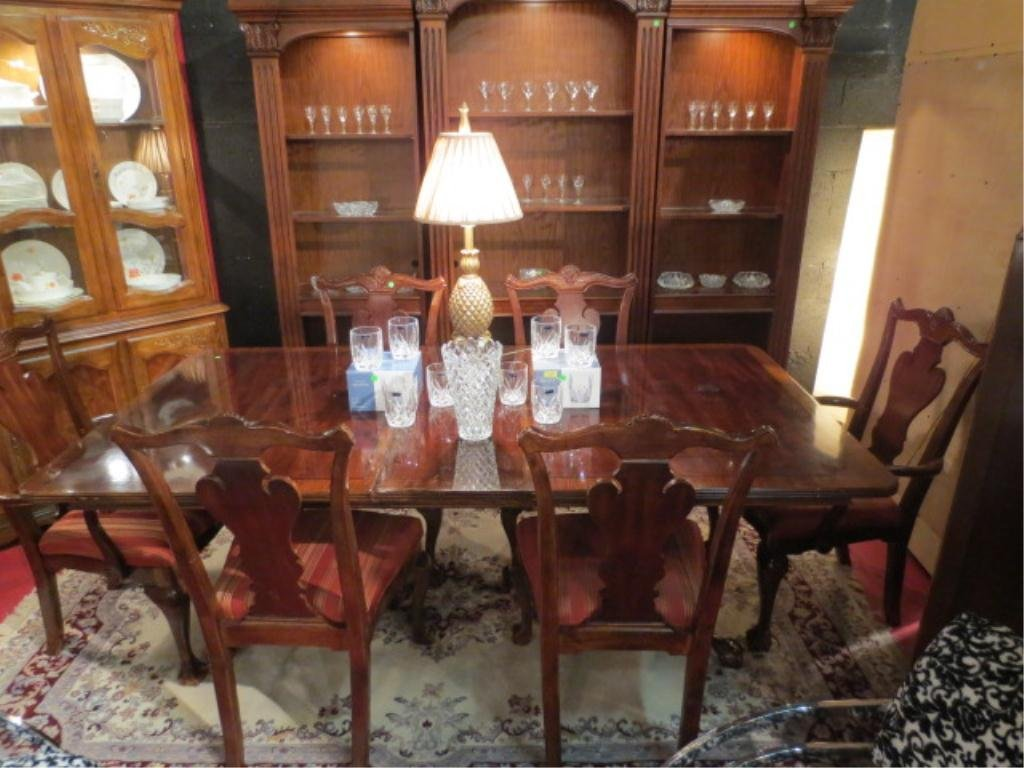 10: CHIPPENDALE STYLE MAHOGANY FINISH DINING TABLE, DUA
