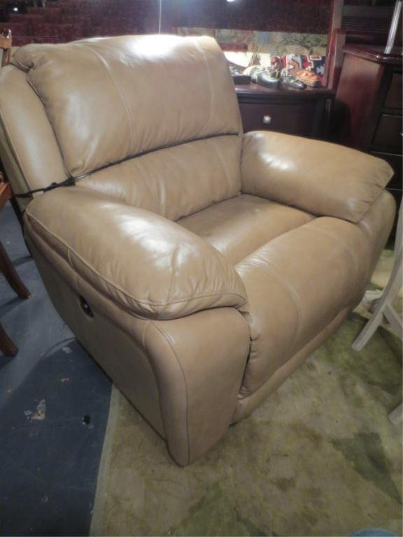 14: ELECTRIC LEATHER RECLINER ARMCHAIR, LIGHT TAN, EXCE