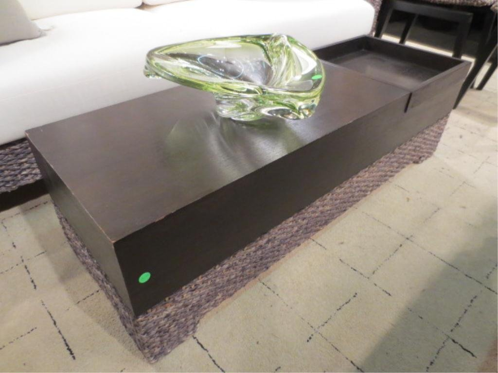 16: COFFEE TABLE WITH ESPRESSO FINISH AND HANDWOVEN NAT