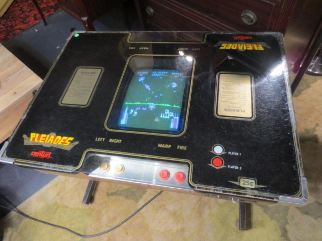 "16: VINTAGE ELECTRONIC ARCADE VIDEO GAME ""PLEIADES"", IN"