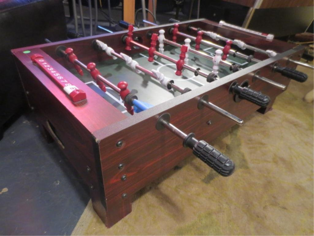 5: TABLETOP FOOSBALL GAME, EXCELLENT CONDITION, APPROX