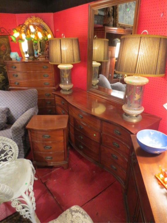 112: VINTAGE MAHOGANY BEDROOM SET BY DIXIE FURNITURE, I